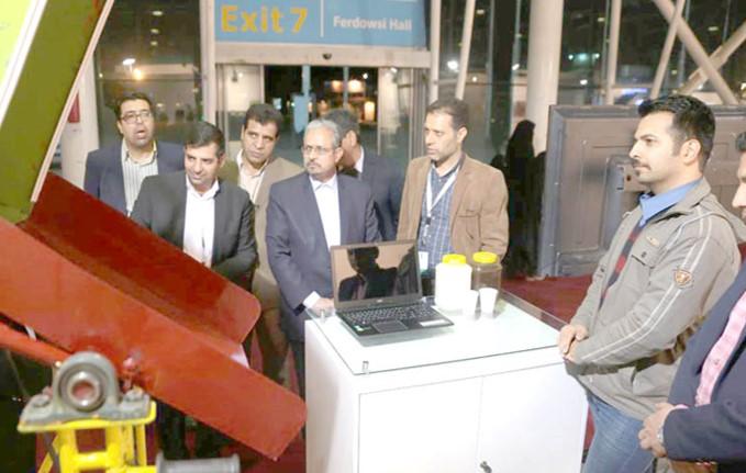 کوروش رزمگیر نمایشگاه پژوهش مهندسی اختراع